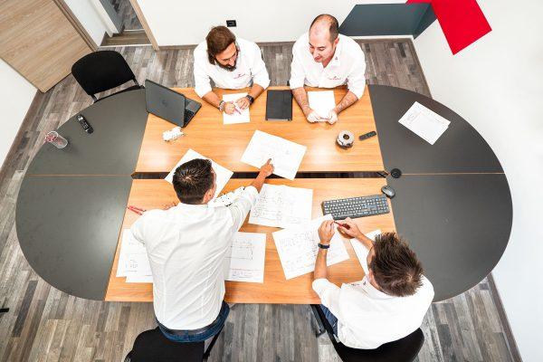 riunione-interna-italplant-lavorazioni